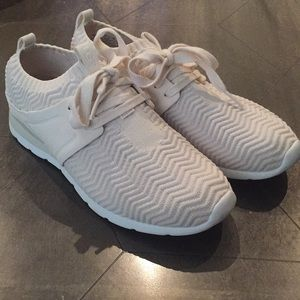 Ugh Sneakers